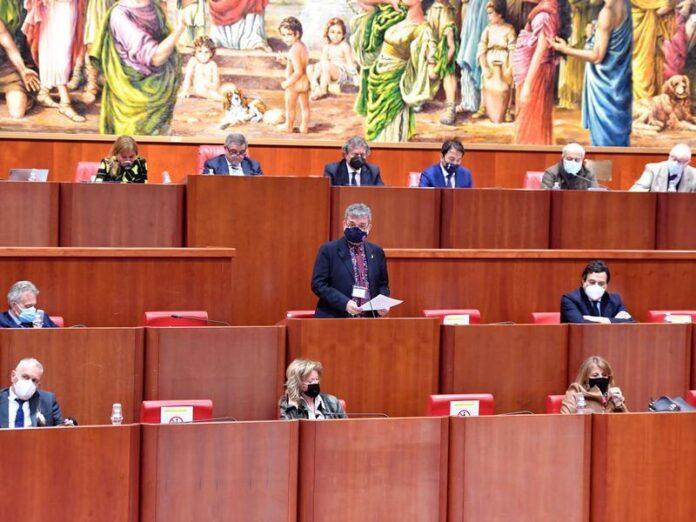 Il presidente Spirlì in Consiglio Regionale