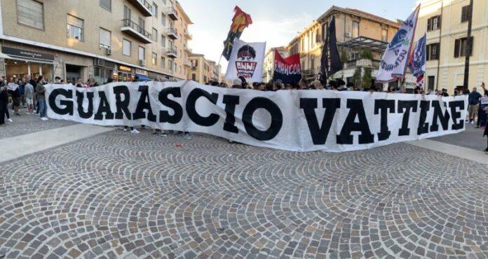 protesta tifosi Cosenza