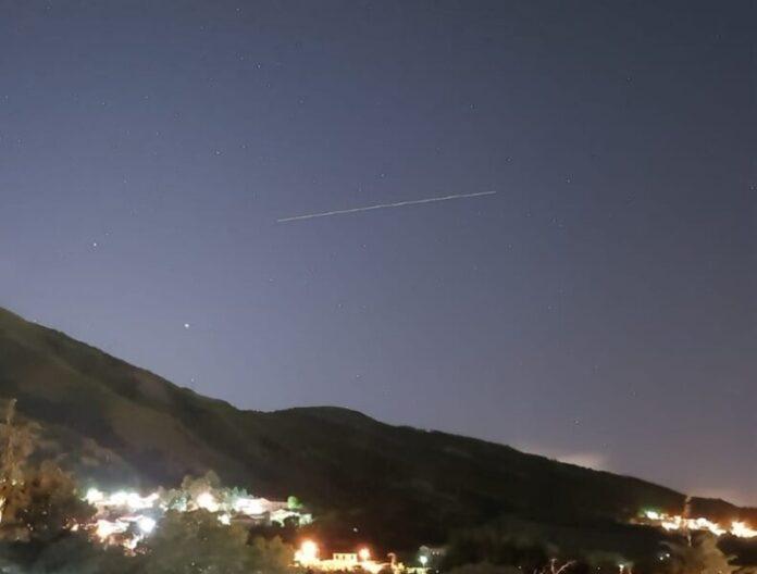 Starlink satelliti spaziali Cerisano