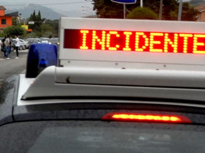 auto carabinieri incidente