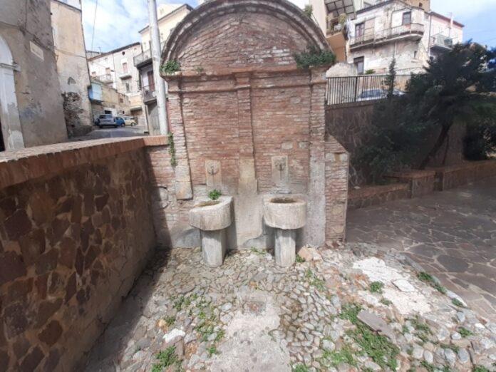 fontana centro storico cassano jonio
