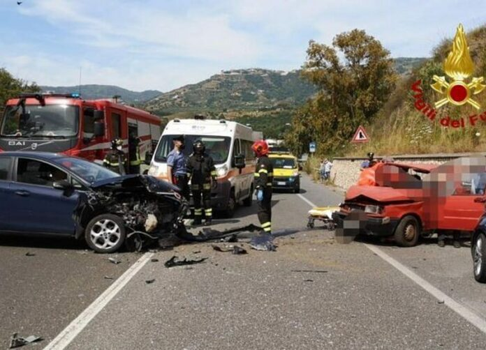 soverato incidente statale 106