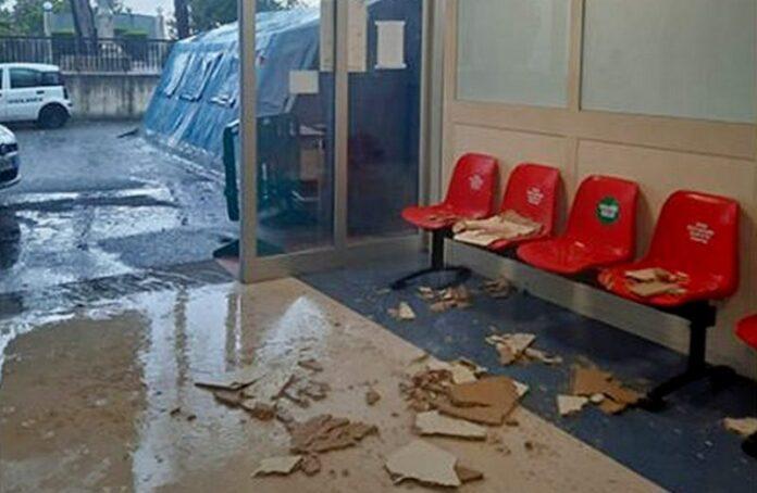Ospedale Locri tetto danneggiato