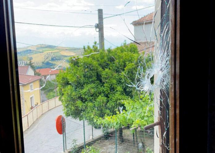 colpo vetro abitazione Cerzeto