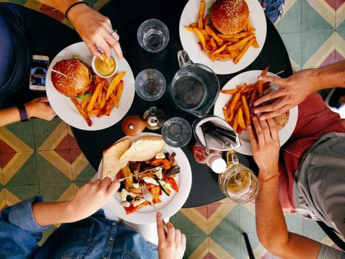 ristoranti regole tavolo