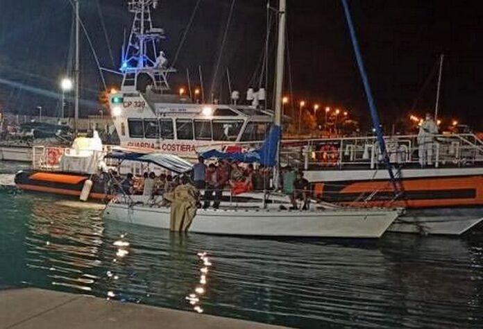 Sbarco migranti Brancaleone
