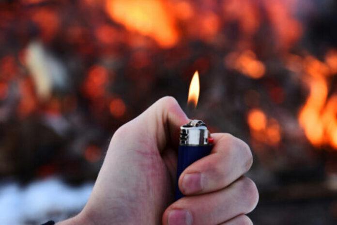 appicare incendio accendino carolei