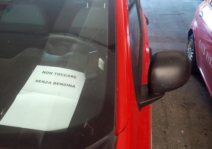 senza benzina pompieri
