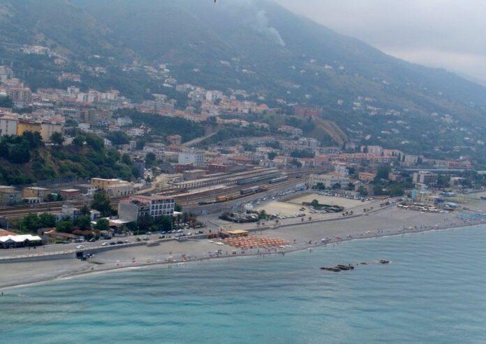 spiaggia mare Paola