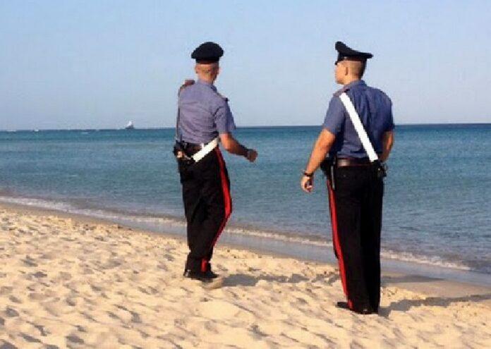 carabinieri spiaggia mare