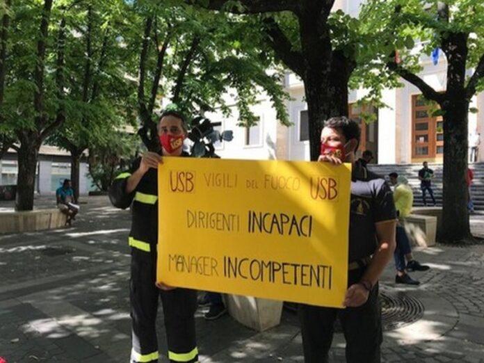 cosenza protesta vigili del fuoco