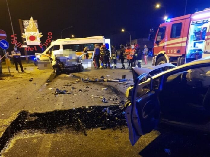 incidente stradale due morti