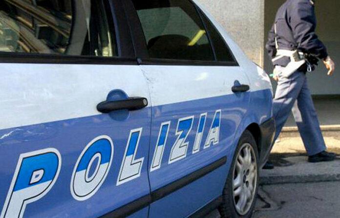 polizia auto poliziotto