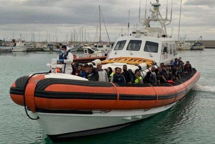 sbarco migranti locride