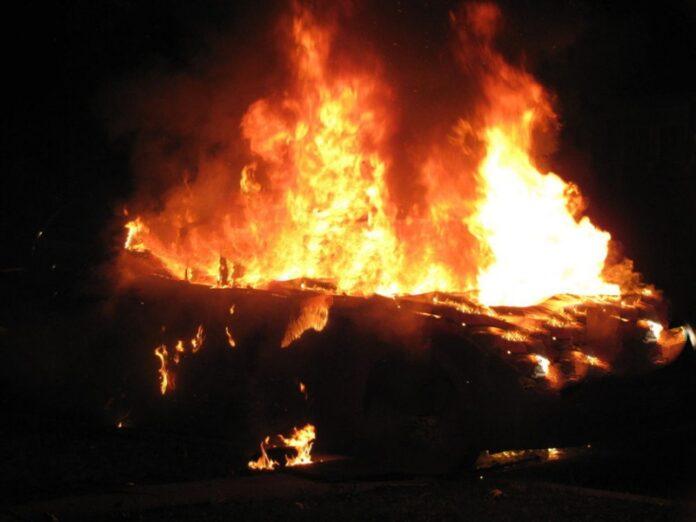 auto incendiata Aprigliano