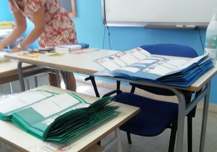 elezioni schede elettorali seggio