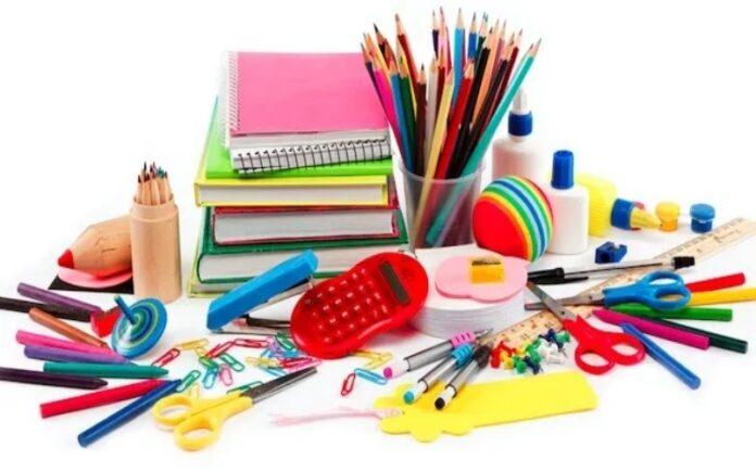 donare materiale scolastico