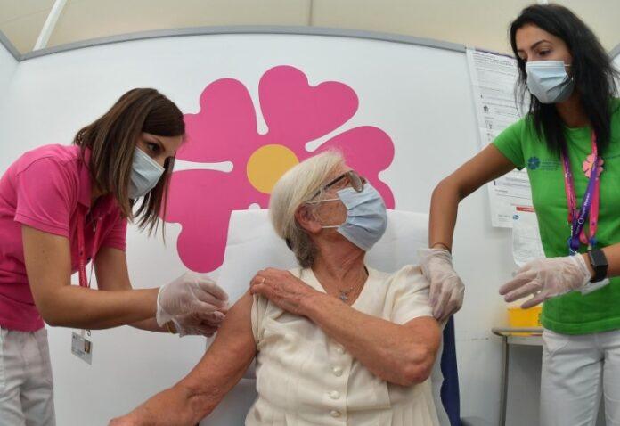 vaccino covid e antinfluenzale doppia dose